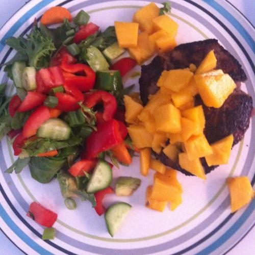 Chilli & Garlic Seasoned Grass-fed Rump Steak with Mango and Salad